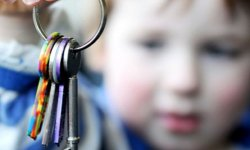Где требуют прописку несовершеннолетнего ребенка