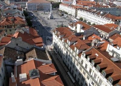 С высоты смотровой башни видно, что все тротуары выложены красивым узором