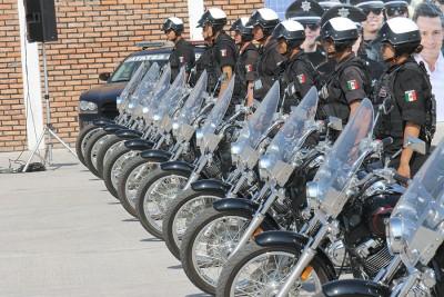Все патрульные в Мексике передвигаются на мотоциклах