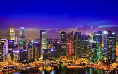 Ночной Сингапур на светящуюся гирлянду
