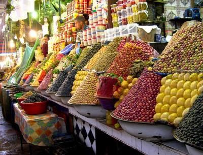 На рынке вы всегда найдете свежие и недорогие фрукты