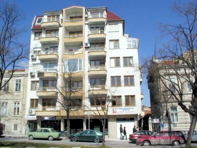 В Варне первый этаж большинства домов сдается под офисное помещение