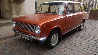 На улицах Латвии можно встретить советские автомобили в отличном состоянии