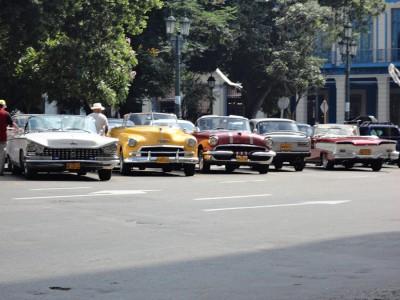 На Кубе много ретро и советских автомобилей