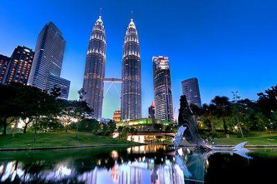 знаменитые башни-близнецы в Малайзии