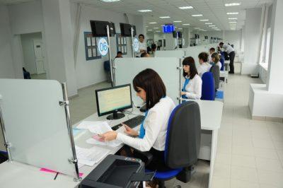 Получить новый паспорт можно обратившись в отделение МФЦ