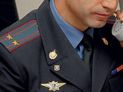 Военнослужащий МВД за работой