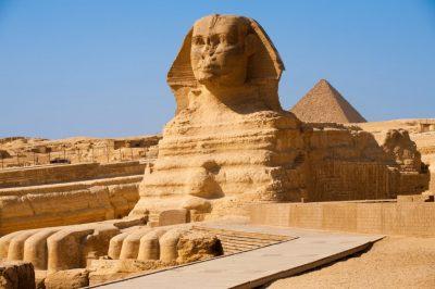 Большой сфинкс в Гизе в Египте