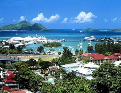 Индийский океан у берегов Сейшел очень приветлив и красив