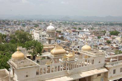 Вид сверху из дворца на Удайпур