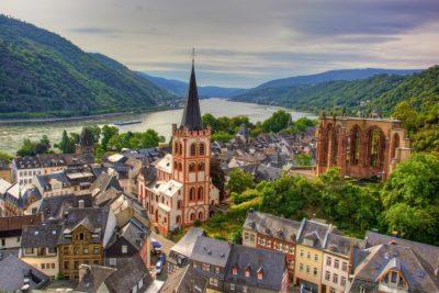 Отель - ресторан на Рейне в Германии (старинный город Бахарах)
