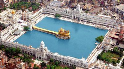 Потрясающее великолепие Золотого храма в Индии