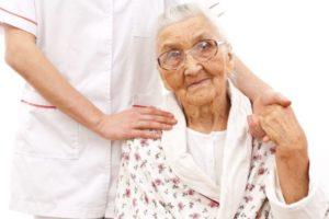 Пожилая пенсионерка